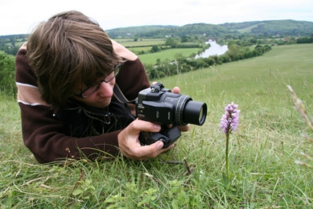 Get out in the field and support us in our research on orchid phenology.